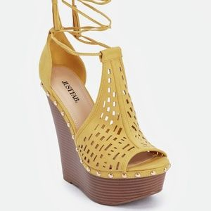 Yellow platform wedges
